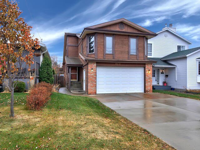 Main Photo: 9519 88 Avenue NW in Edmonton: Zone 18 House for sale : MLS®# E4219932