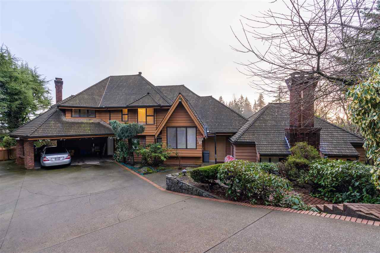 Main Photo: 1366 CAMMERAY Road in West Vancouver: Chartwell House for sale : MLS®# R2526602