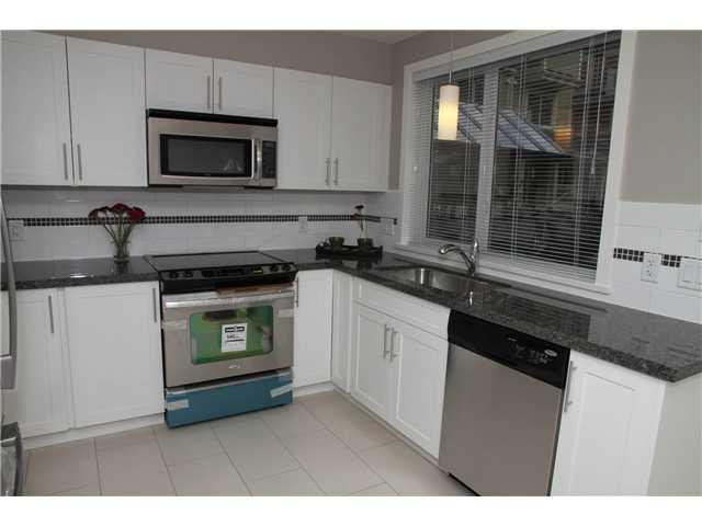 """Photo 5: Photos: 15 333 E 33RD Avenue in Vancouver: Main Townhouse for sale in """"WALK TO MAIN"""" (Vancouver East)  : MLS®# V883499"""