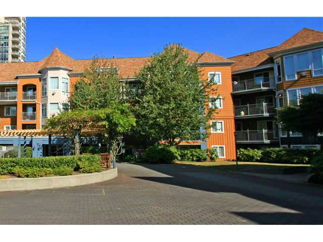 "Main Photo: 406 3075 PRIMROSE Lane in Coquitlam: North Coquitlam Condo for sale in ""LAKESIDE TERRACE"" : MLS®# V910059"