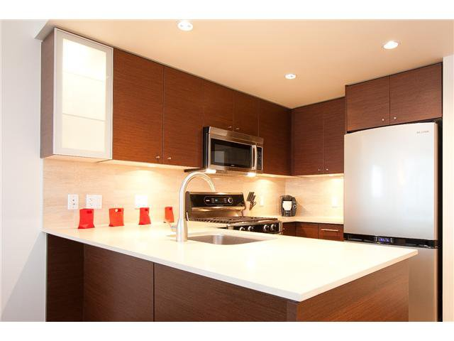 "Main Photo: 1209 5900 ALDERBRIDGE Way in Richmond: Brighouse Condo for sale in ""LOTUS"" : MLS®# V912987"