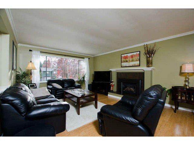 Photo 2: Photos: 11825 WARREN Place in Delta: Annieville House for sale (N. Delta)  : MLS®# F1400219