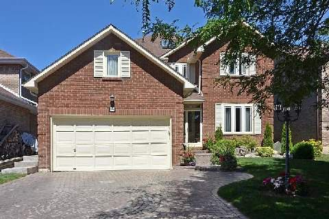 Main Photo: 14 Camborne Court in Markham: Unionville House (2-Storey) for sale : MLS®# N2839320