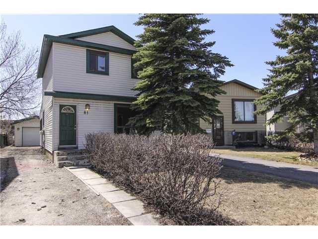 Main Photo: 81 ERIN RIDGE Road SE in CALGARY: Erinwoods Residential Detached Single Family for sale (Calgary)  : MLS®# C3612417
