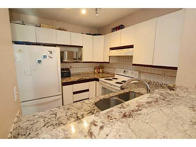 "Photo 2: Photos: 202 2429 HAWTHORNE Avenue in Port Coquitlam: Central Pt Coquitlam Condo for sale in ""STONEBROOK"" : MLS®# V1085086"