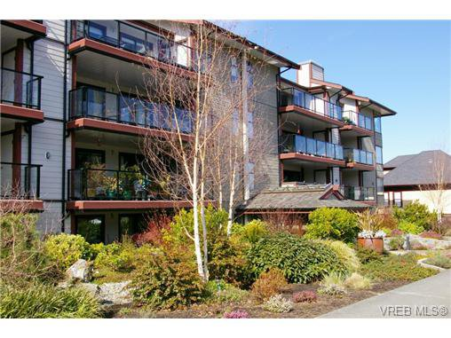 Main Photo: 106 420 Parry Street in VICTORIA: Vi James Bay Condo Apartment for sale (Victoria)  : MLS®# 348383