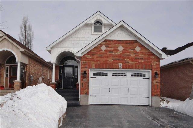 Main Photo: 33 Appleton Drive: Orangeville House (Bungalow-Raised) for sale : MLS®# W3429999