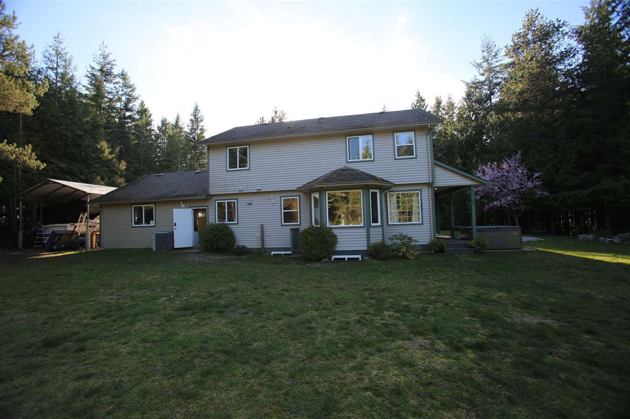 Photo 3: Photos: 5980 SECHELT INLET Road in Sechelt: Sechelt District House for sale (Sunshine Coast)  : MLS®# R2045230