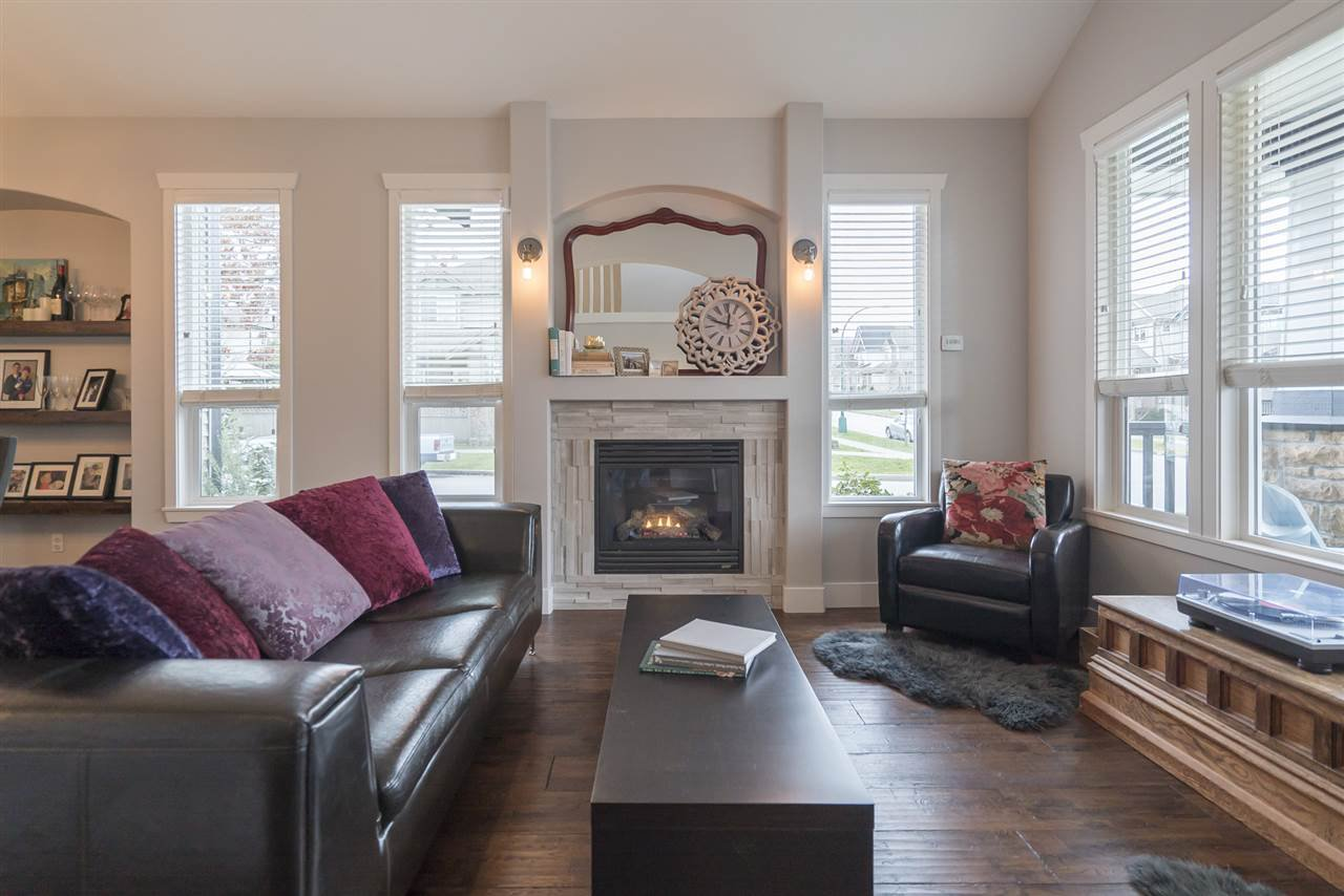 """Photo 2: Photos: 18899 68A Avenue in Surrey: Clayton House for sale in """"CLAYTON VILLAGE"""" (Cloverdale)  : MLS®# R2146647"""
