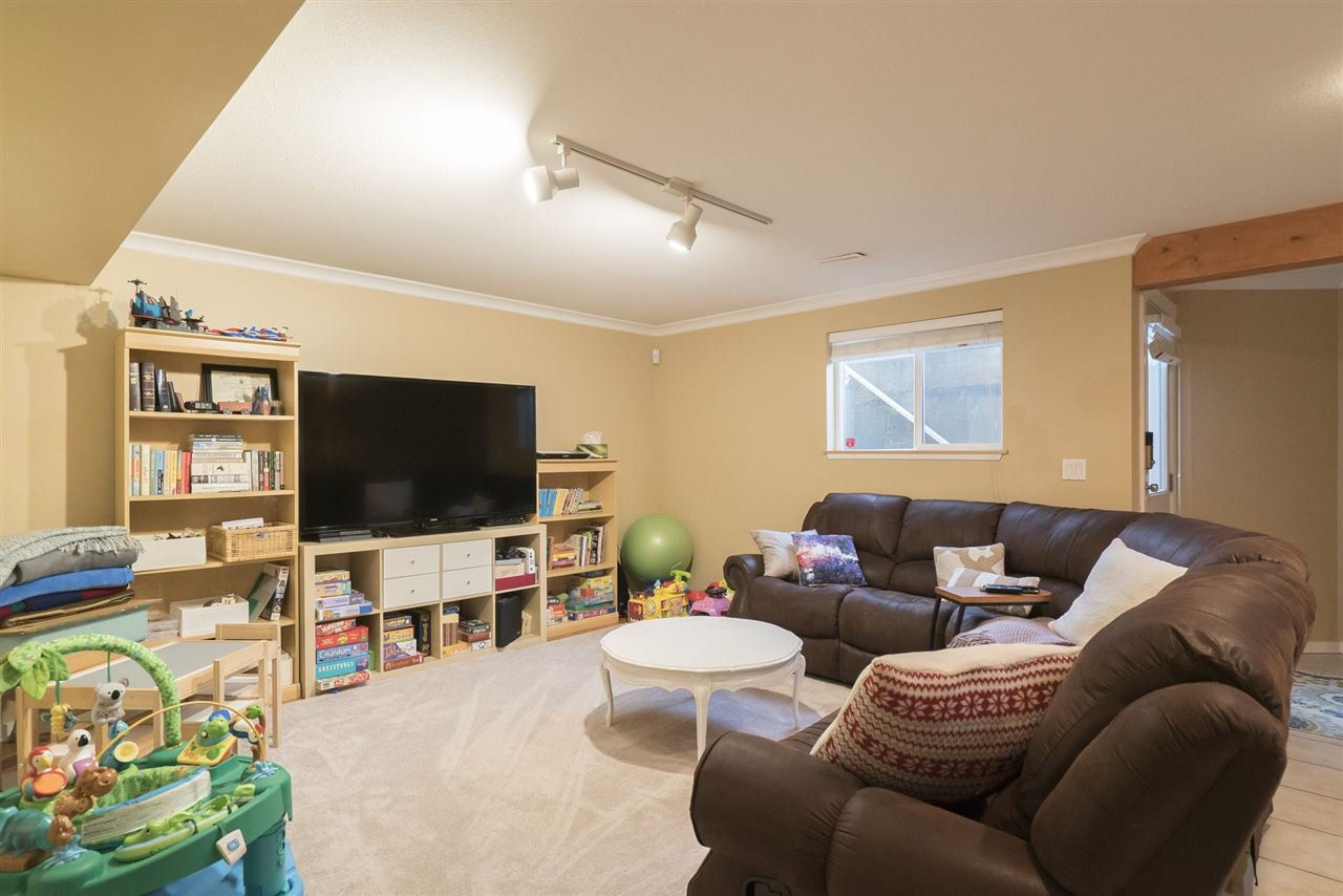 """Photo 19: Photos: 18899 68A Avenue in Surrey: Clayton House for sale in """"CLAYTON VILLAGE"""" (Cloverdale)  : MLS®# R2146647"""