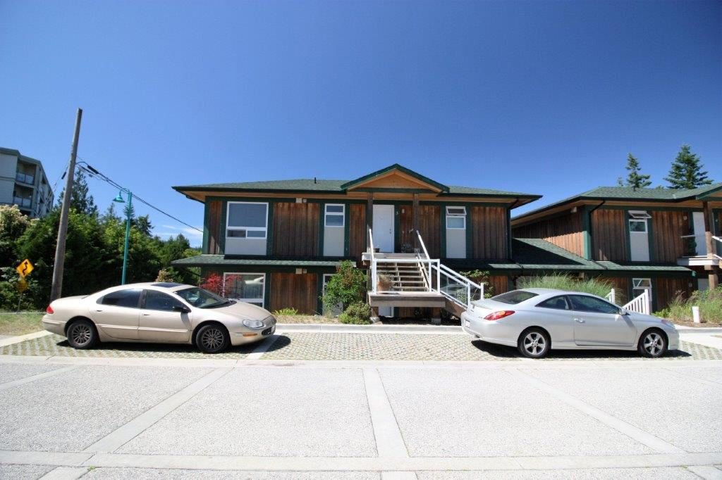 Main Photo: 1 5778 MARINE Way in Sechelt: Sechelt District Condo for sale (Sunshine Coast)  : MLS®# R2183666