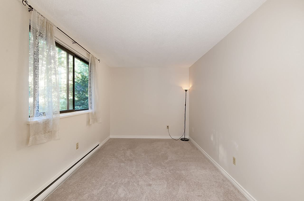 "Photo 7: Photos: 202 9150 SATURNA Drive in Burnaby: Simon Fraser Hills Townhouse for sale in ""MOUNTAINWOOD"" (Burnaby North)  : MLS®# R2218208"