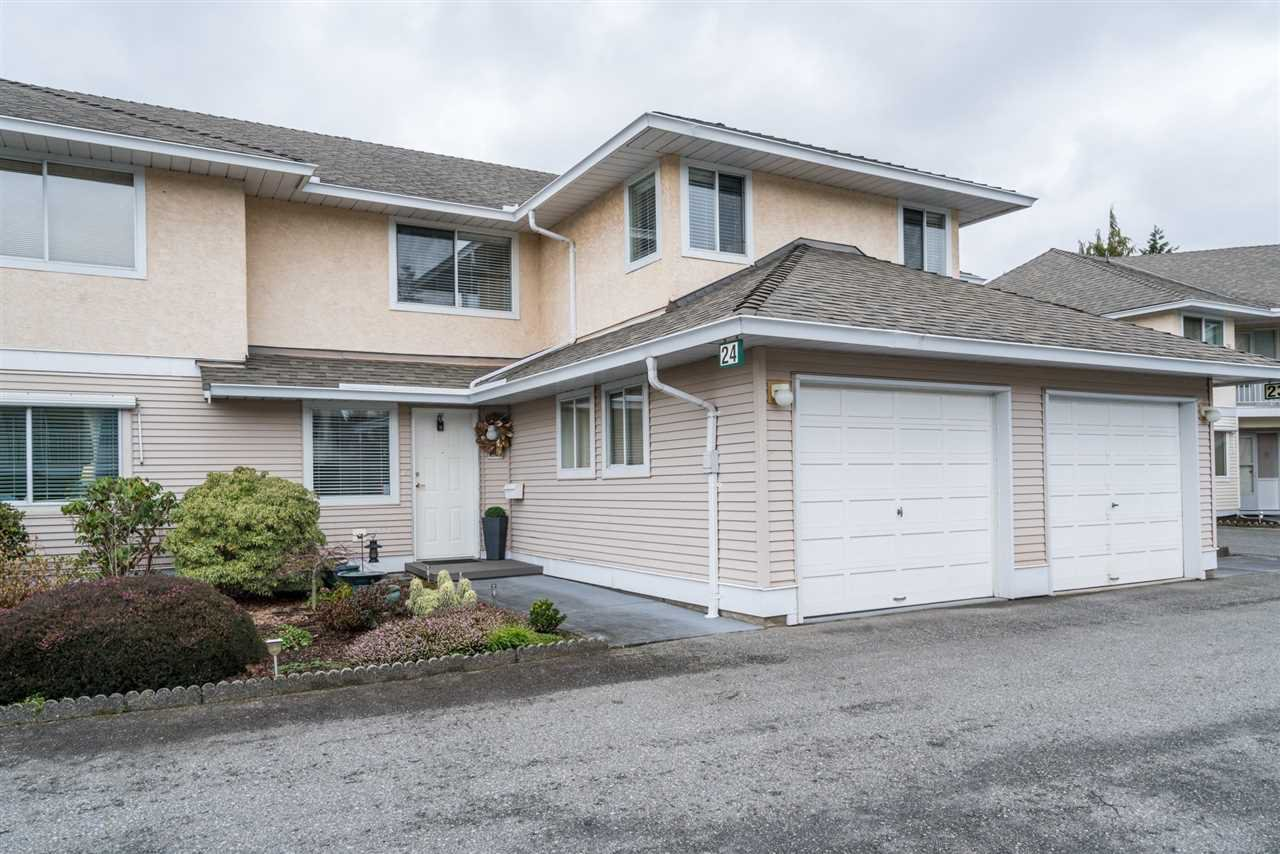 "Main Photo: 24 2475 EMERSON Street in Abbotsford: Abbotsford West Townhouse for sale in ""EMERSON PARK ESTATES"" : MLS®# R2233341"