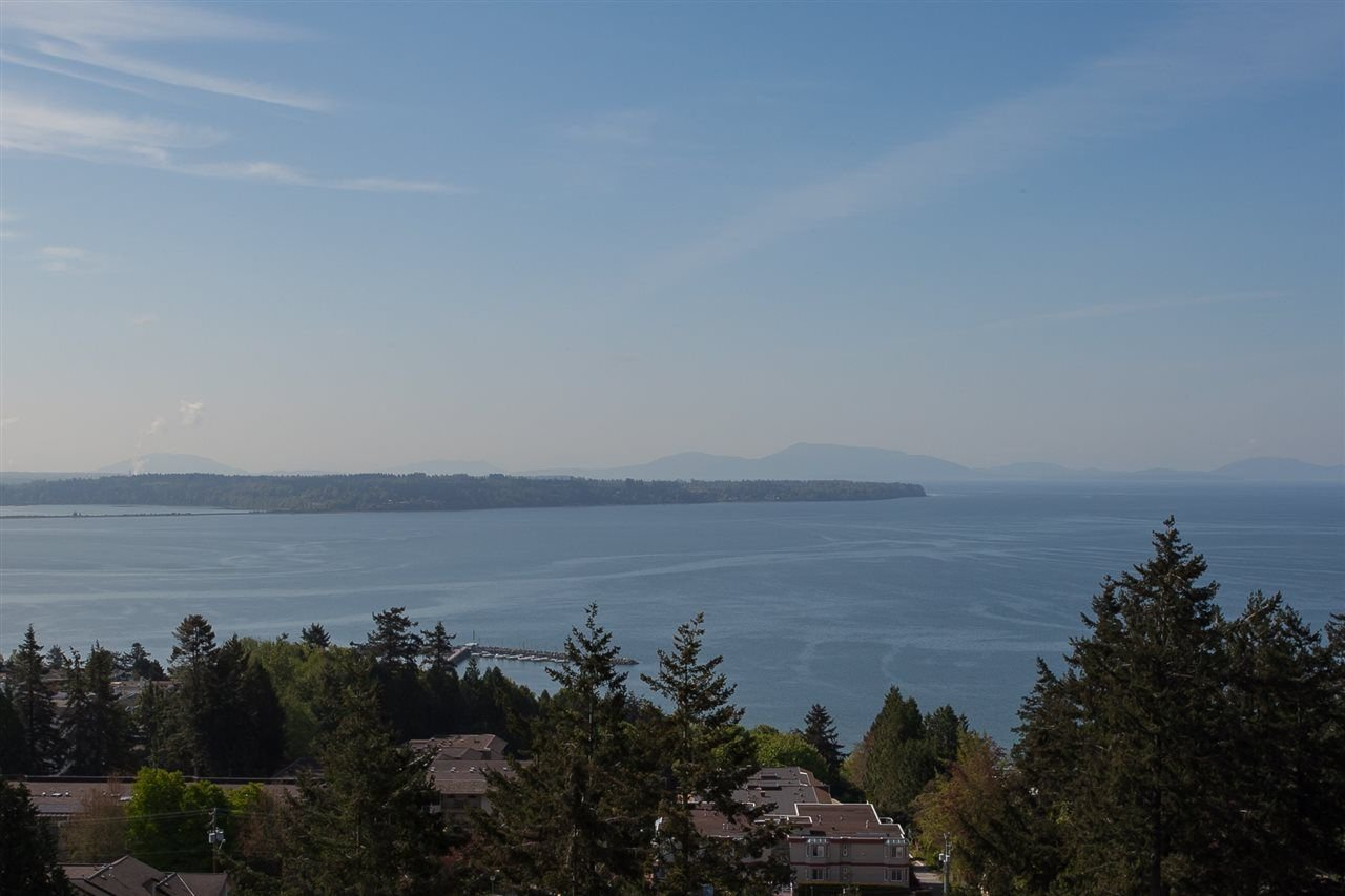 "Main Photo: 407 1501 VIDAL Street: White Rock Condo for sale in ""THE BEVERLEY"" (South Surrey White Rock)  : MLS®# R2274978"