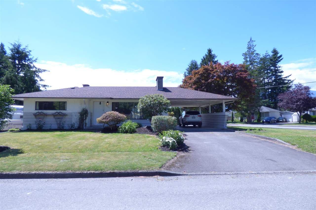 Main Photo: 9687 WOODBINE Street in Chilliwack: Chilliwack N Yale-Well House for sale : MLS®# R2302737