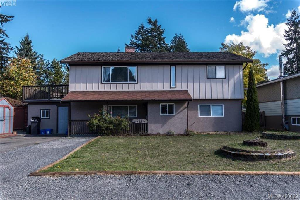Main Photo: 2271 Moyes Road in VICTORIA: La Thetis Heights Single Family Detached for sale (Langford)  : MLS®# 400629