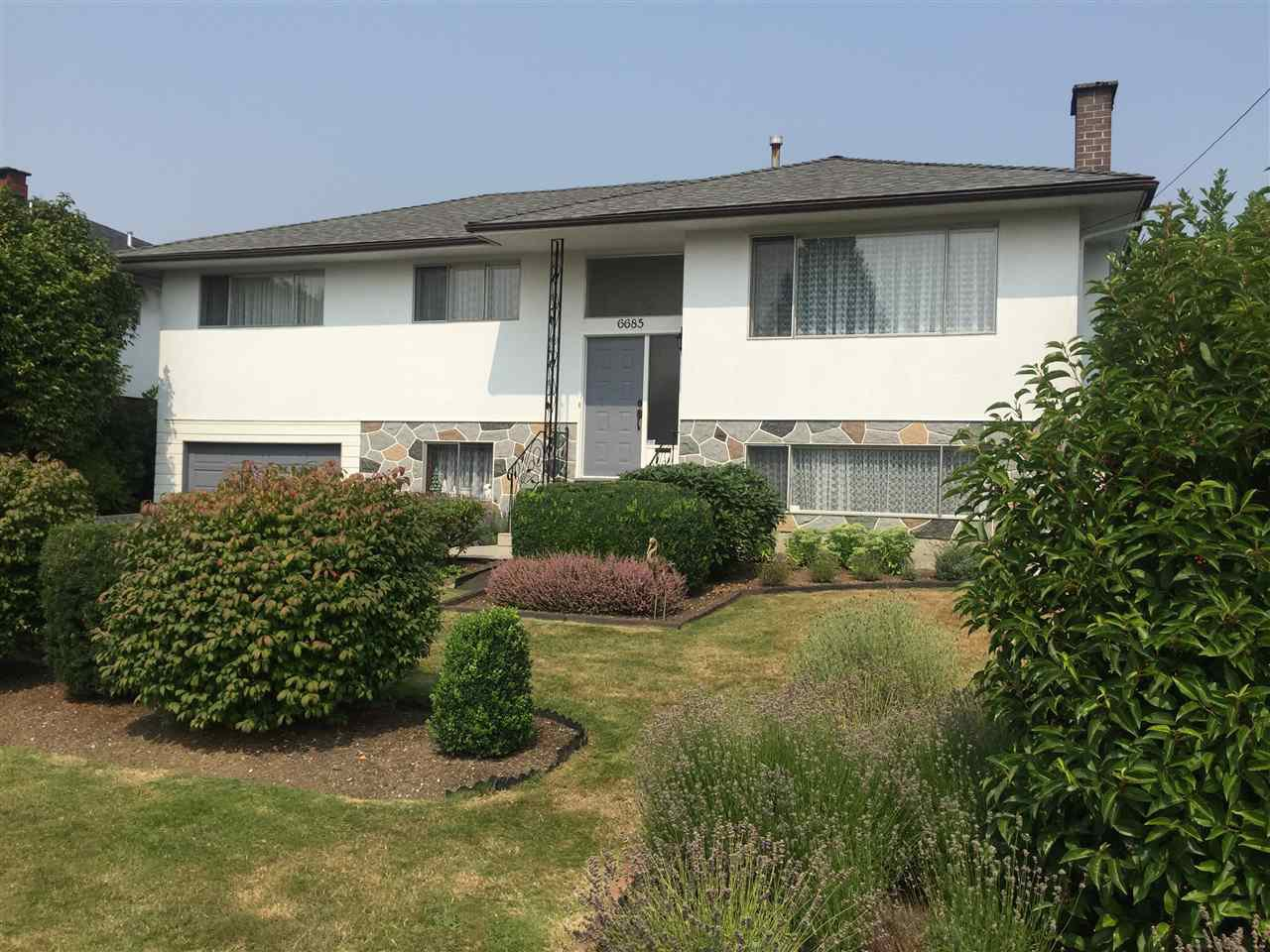 Main Photo: 6685 AUBREY Street in Burnaby: Sperling-Duthie House for sale (Burnaby North)  : MLS®# R2321445