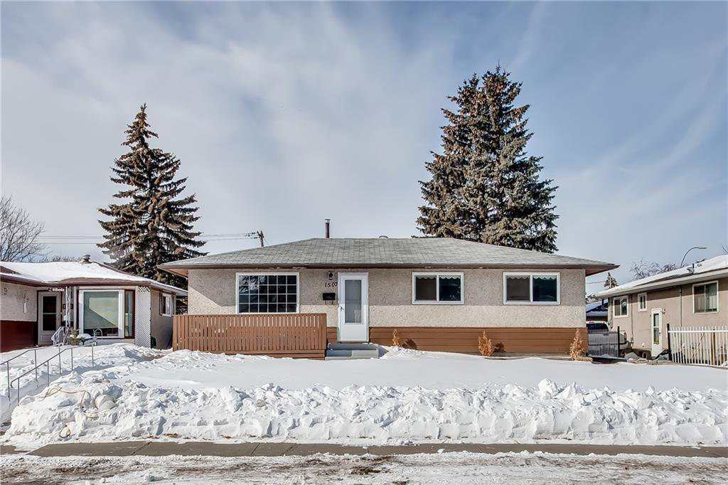 Main Photo: 1507 46 Street SE in Calgary: Forest Lawn Detached for sale : MLS®# C4226815