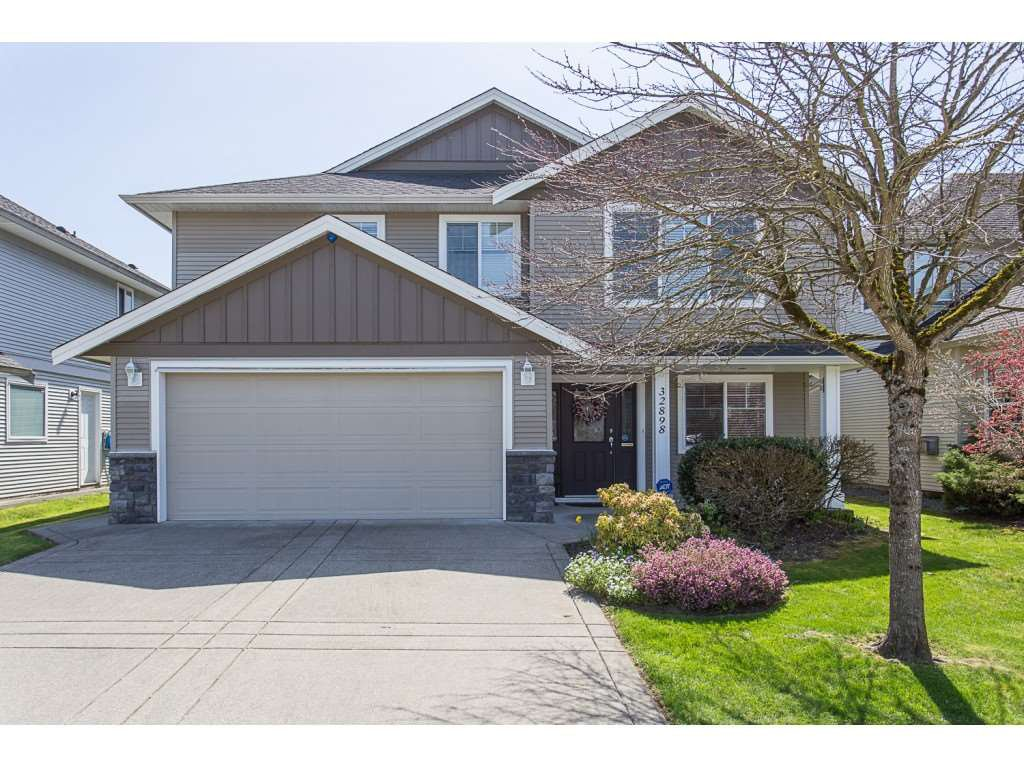 Main Photo: 32898 EGGLESTONE Avenue in Mission: Mission BC House for sale : MLS®# R2352989