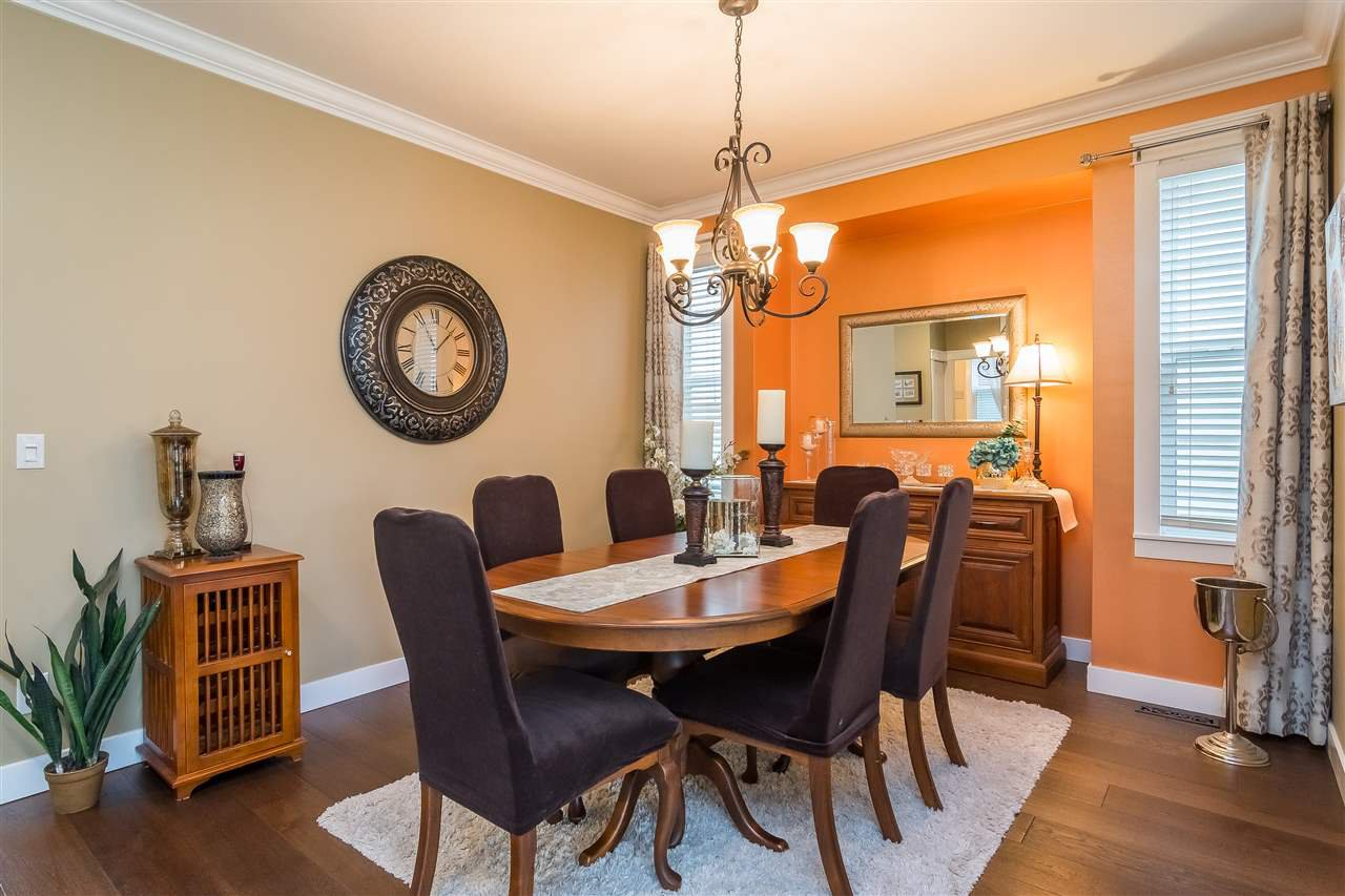 """Photo 4: Photos: 23029 JENNY LEWIS Avenue in Langley: Fort Langley House for sale in """"BEDFORD LANDING"""" : MLS®# R2359056"""