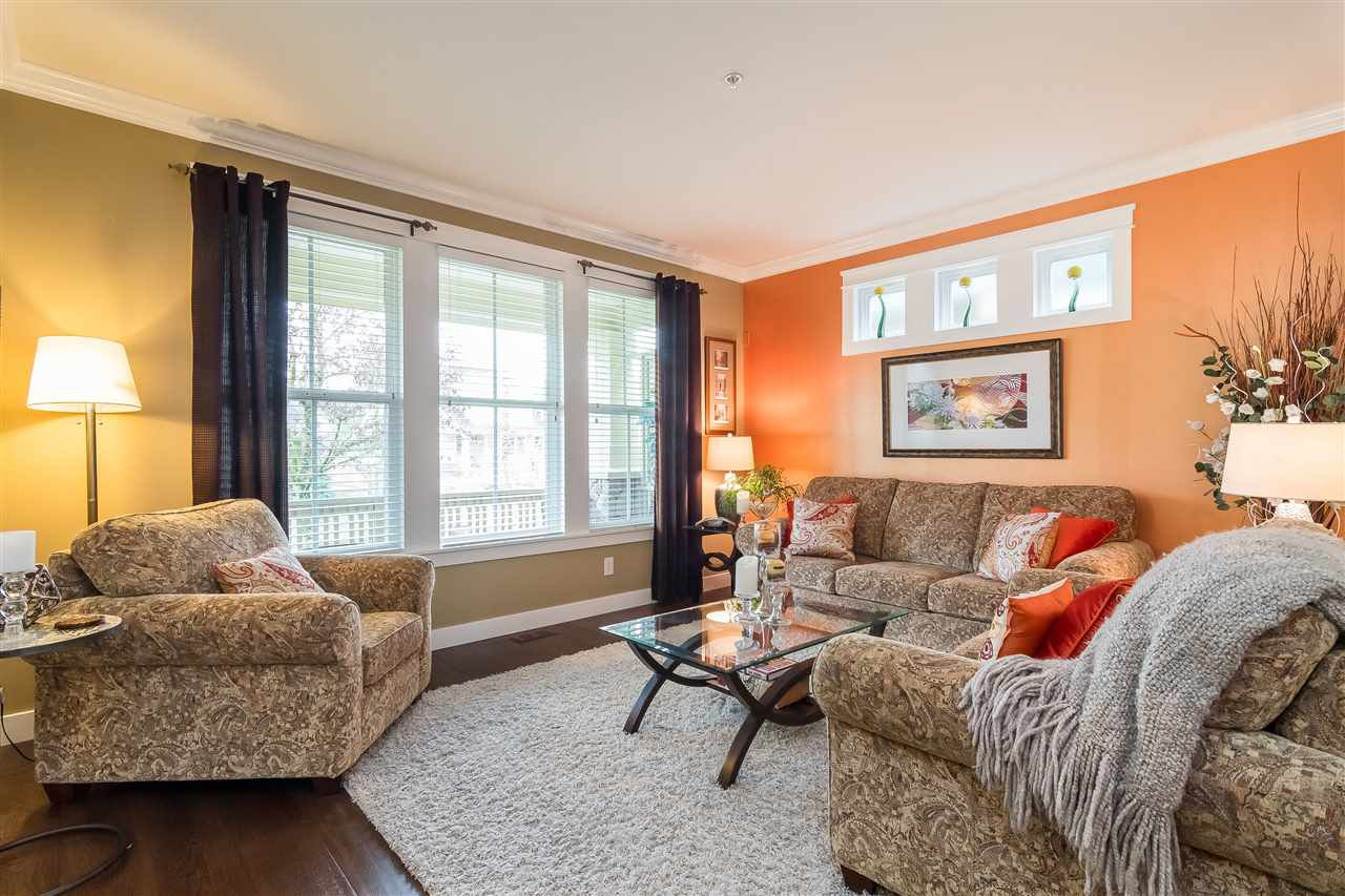 """Photo 5: Photos: 23029 JENNY LEWIS Avenue in Langley: Fort Langley House for sale in """"BEDFORD LANDING"""" : MLS®# R2359056"""