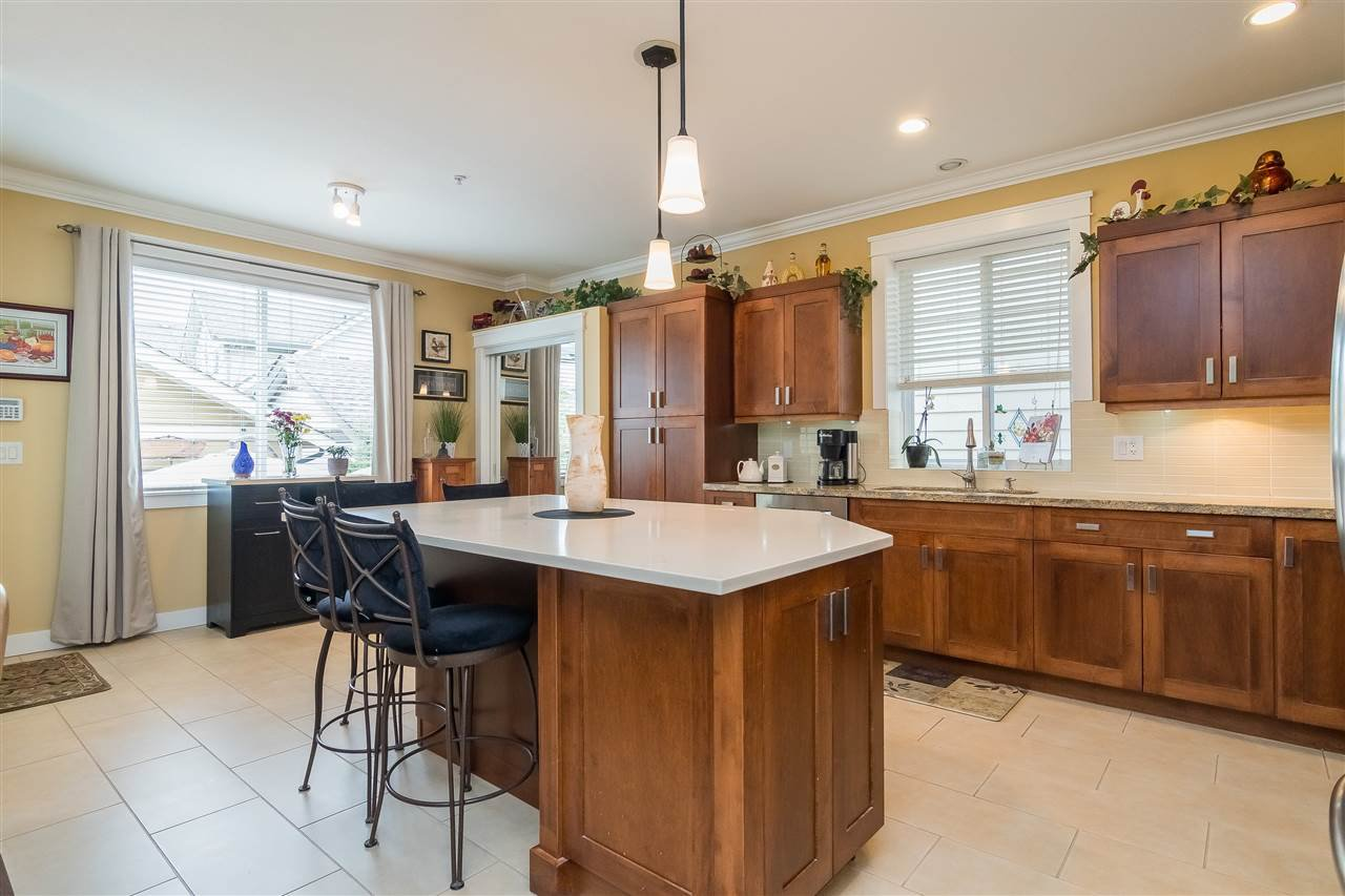 """Photo 6: Photos: 23029 JENNY LEWIS Avenue in Langley: Fort Langley House for sale in """"BEDFORD LANDING"""" : MLS®# R2359056"""
