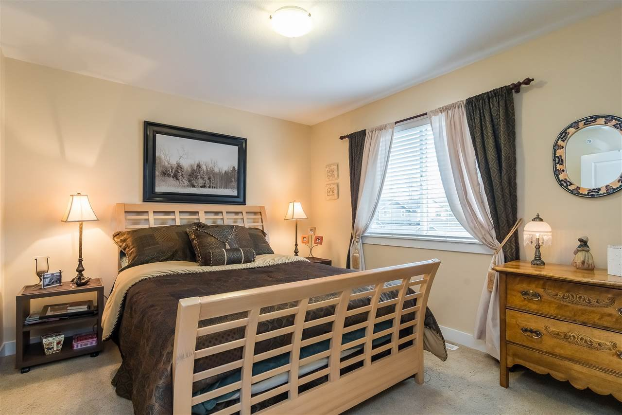 """Photo 15: Photos: 23029 JENNY LEWIS Avenue in Langley: Fort Langley House for sale in """"BEDFORD LANDING"""" : MLS®# R2359056"""