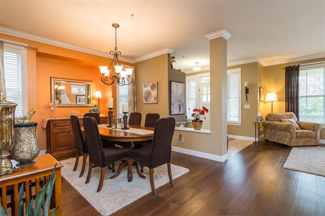 """Photo 3: Photos: 23029 JENNY LEWIS Avenue in Langley: Fort Langley House for sale in """"BEDFORD LANDING"""" : MLS®# R2359056"""