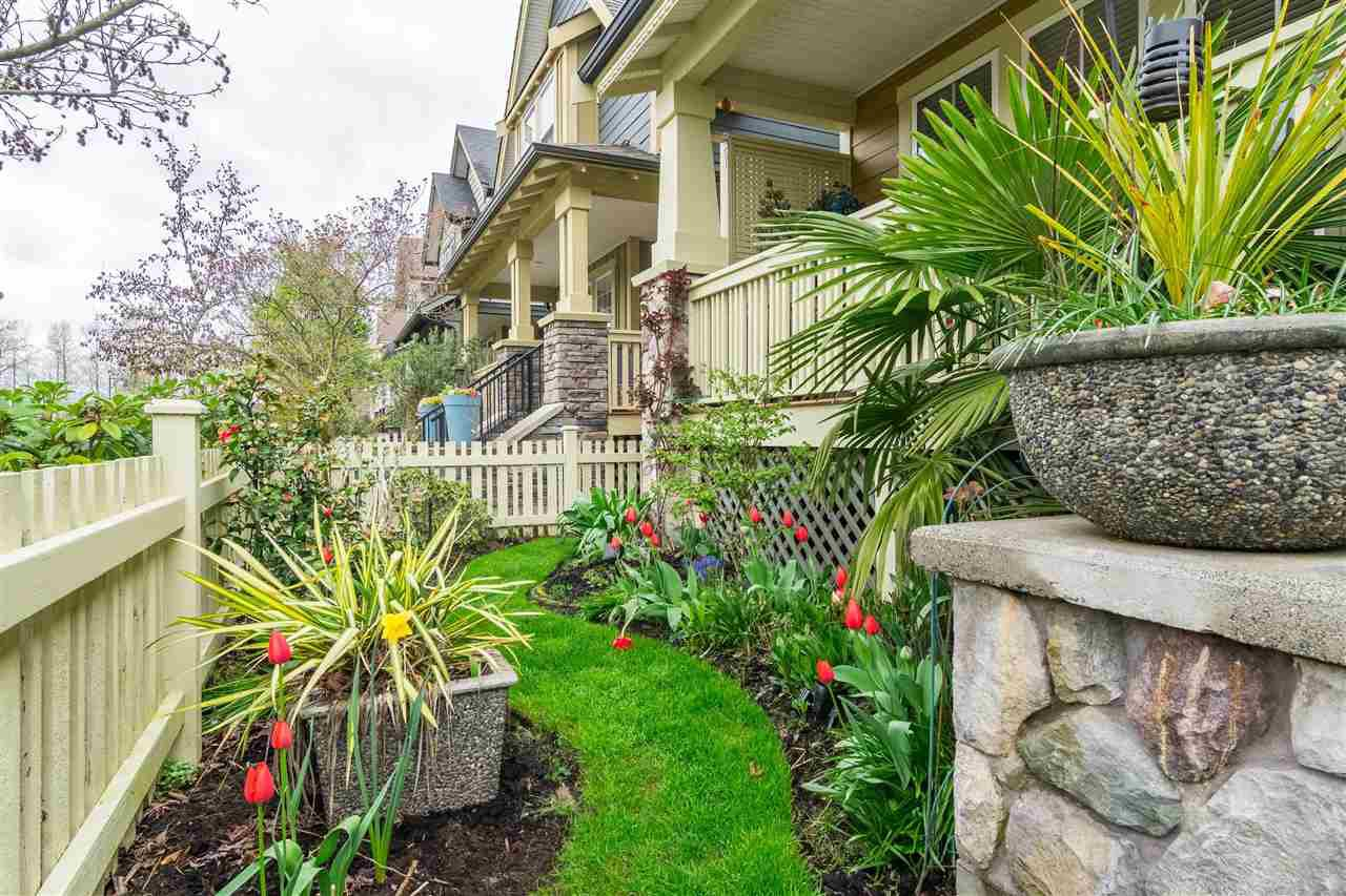 """Photo 2: Photos: 23029 JENNY LEWIS Avenue in Langley: Fort Langley House for sale in """"BEDFORD LANDING"""" : MLS®# R2359056"""