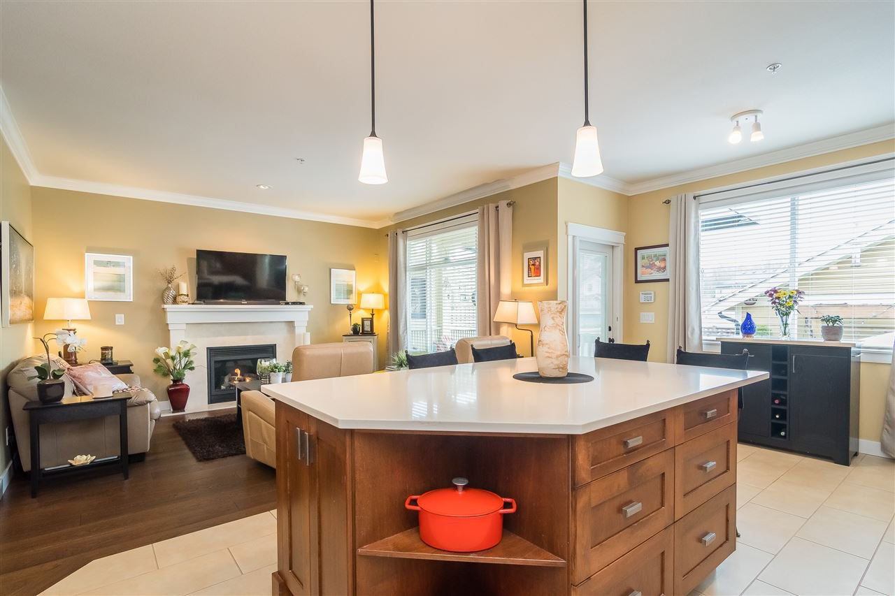 """Photo 8: Photos: 23029 JENNY LEWIS Avenue in Langley: Fort Langley House for sale in """"BEDFORD LANDING"""" : MLS®# R2359056"""