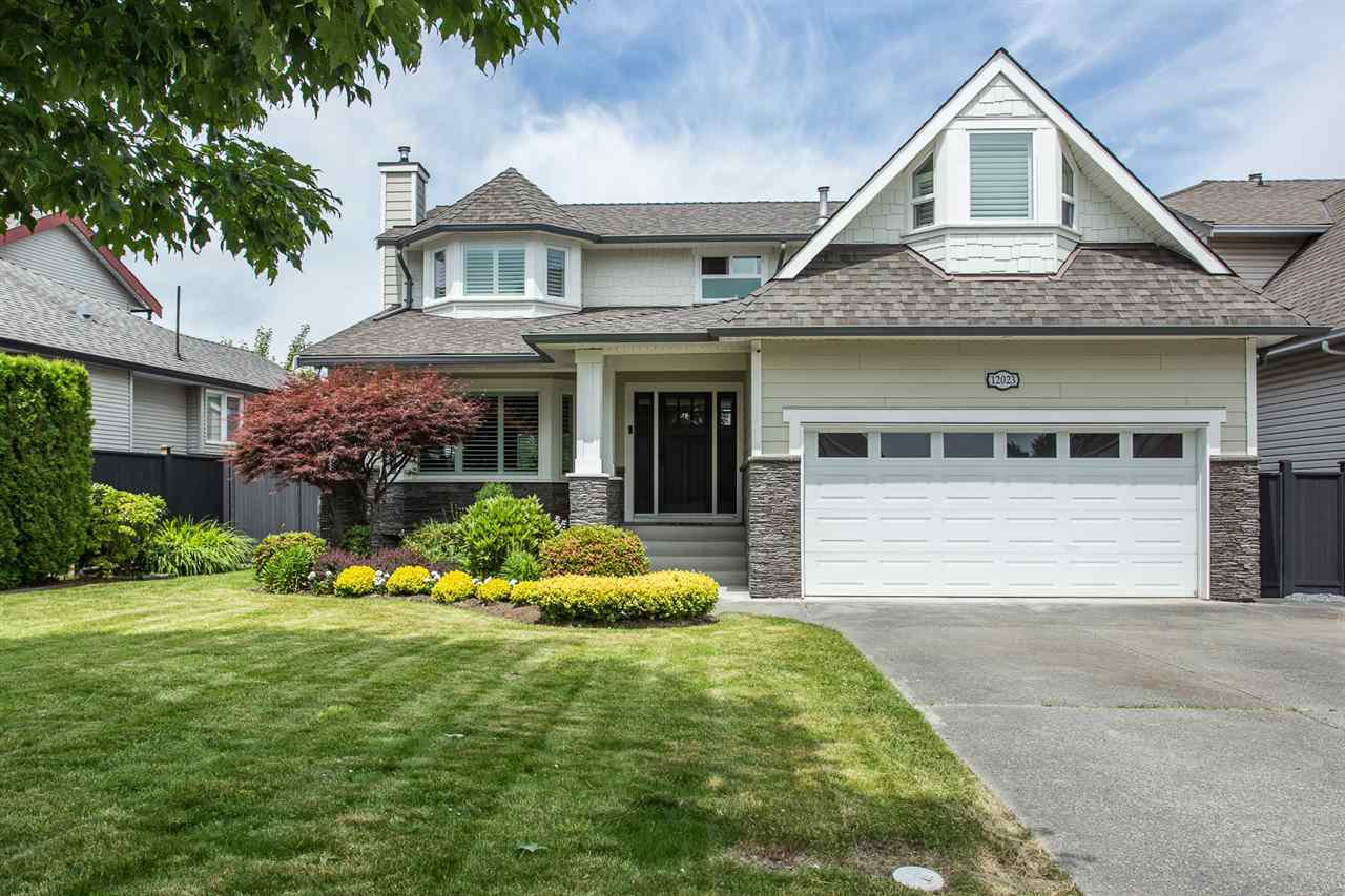 """Photo 1: Photos: 12023 CHESTNUT Crescent in Pitt Meadows: Mid Meadows House for sale in """"Somerset"""" : MLS®# R2379799"""