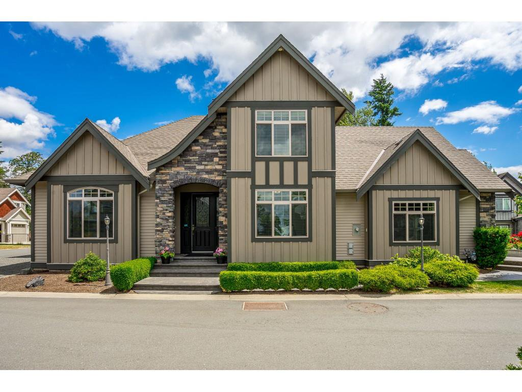 Main Photo: 2368 BEDFORD Place in Abbotsford: Abbotsford West House for sale : MLS®# R2381924