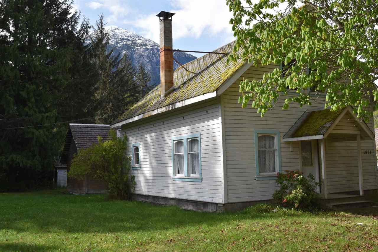 Main Photo: 1831 MACKENZIE  20 Highway in Bella Coola: Bella Coola/Hagensborg House for sale (Williams Lake (Zone 27))  : MLS®# R2390161