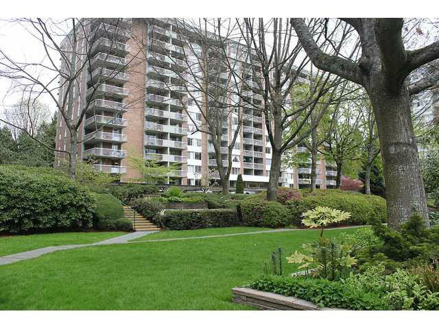 "Main Photo: 314 2012 FULLERTON Avenue in North Vancouver: Pemberton NV Condo for sale in ""Woodcroft (Pemberton Bldg)"" : MLS®# V1036722"
