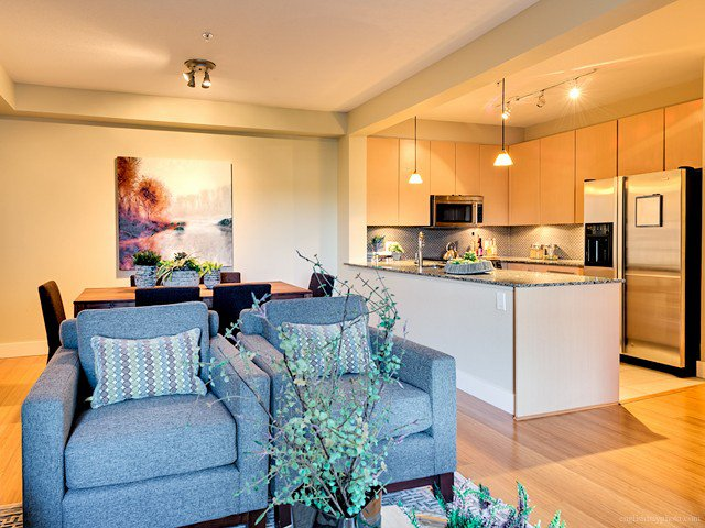 """Main Photo: 307 6268 EAGLES Drive in Vancouver: University VW Condo for sale in """"Clements Green"""" (Vancouver West)  : MLS®# V1039789"""
