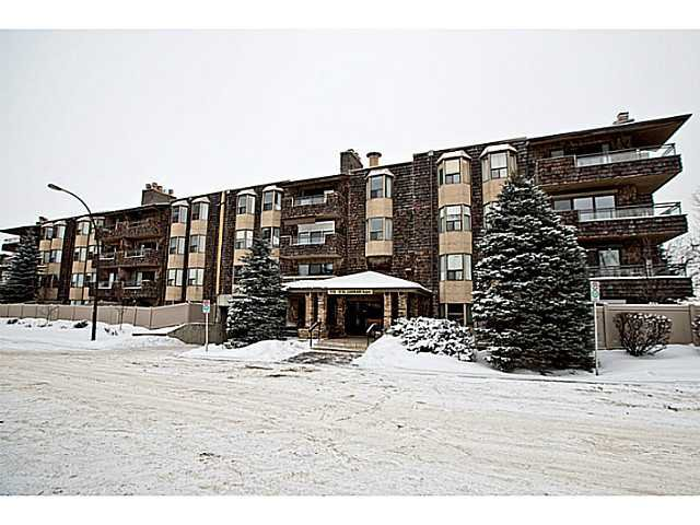 Main Photo: 116 3730 50 Street NW in CALGARY: Varsity Village Condo for sale (Calgary)  : MLS®# C3595769
