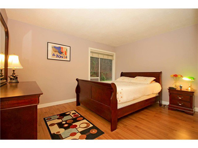 """Photo 9: Photos: 2010 HIGHVIEW Place in Port Moody: College Park PM Townhouse for sale in """"HIGHVIEW PLACE"""" : MLS®# V1100224"""