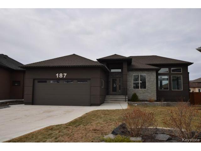 Main Photo: 187 McBeth Grove in WINNIPEG: West Kildonan / Garden City Residential for sale (North West Winnipeg)  : MLS®# 1504824