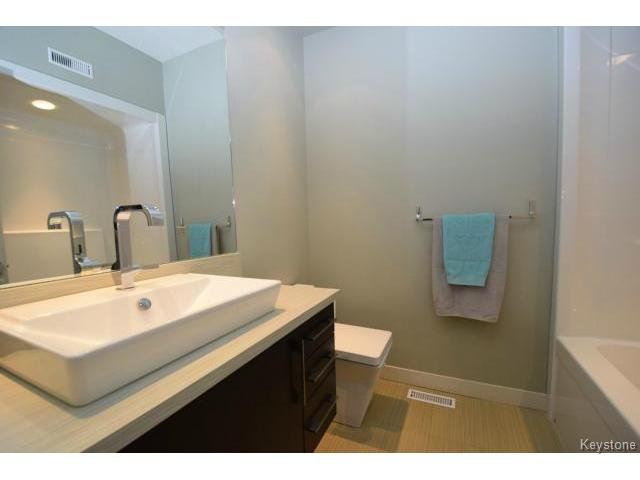 Photo 14: Photos: 187 McBeth Grove in WINNIPEG: West Kildonan / Garden City Residential for sale (North West Winnipeg)  : MLS®# 1504824