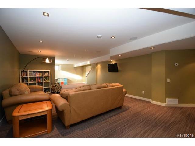 Photo 15: Photos: 187 McBeth Grove in WINNIPEG: West Kildonan / Garden City Residential for sale (North West Winnipeg)  : MLS®# 1504824
