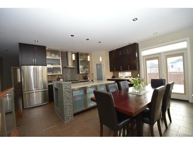 Photo 5: Photos: 187 McBeth Grove in WINNIPEG: West Kildonan / Garden City Residential for sale (North West Winnipeg)  : MLS®# 1504824