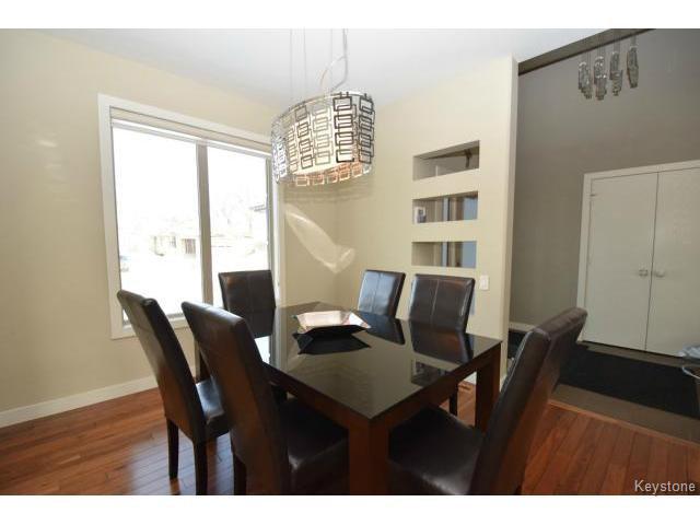 Photo 3: Photos: 187 McBeth Grove in WINNIPEG: West Kildonan / Garden City Residential for sale (North West Winnipeg)  : MLS®# 1504824