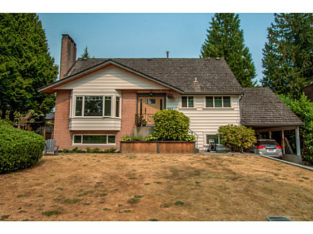 """Main Photo: 521 ROXHAM Street in Coquitlam: Coquitlam West House for sale in """"COQUITLAM WEST/VANCOUVER GOLF CLUB"""" : MLS®# V1132951"""