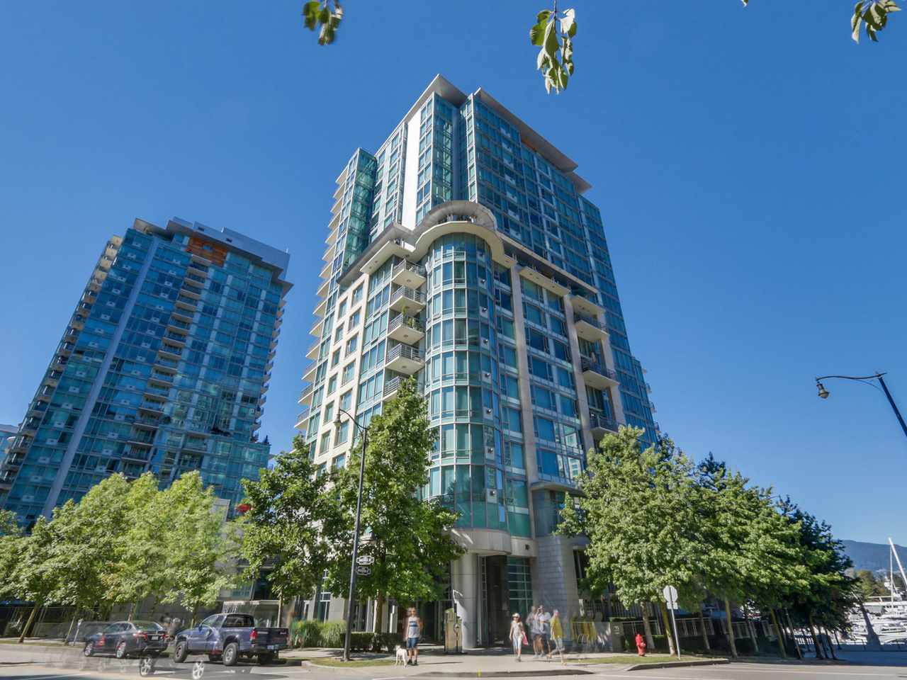 """Main Photo: 495 BROUGHTON Street in Vancouver: Coal Harbour Townhouse for sale in """"DENIA"""" (Vancouver West)  : MLS®# R2096844"""