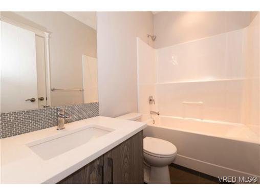 Photo 6: Photos: 955 Pharoah Mews in VICTORIA: La Florence Lake Row/Townhouse for sale (Langford)  : MLS®# 740677
