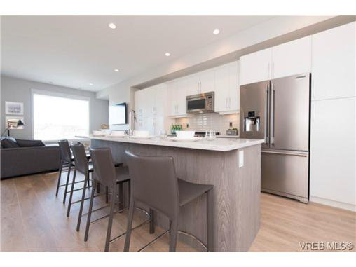 Photo 9: Photos: 955 Pharoah Mews in VICTORIA: La Florence Lake Row/Townhouse for sale (Langford)  : MLS®# 740677