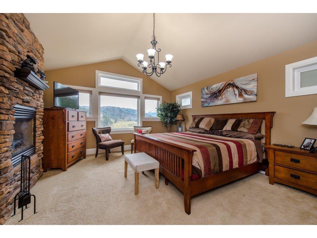 "Photo 11: Photos: 108 45473 ARIEL Place: Cultus Lake House for sale in ""RIVERSTONE HEIGHTS"" : MLS®# R2155607"