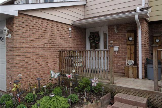 Main Photo: 24 Karen Court: Orangeville House (2-Storey) for sale : MLS®# W3796786