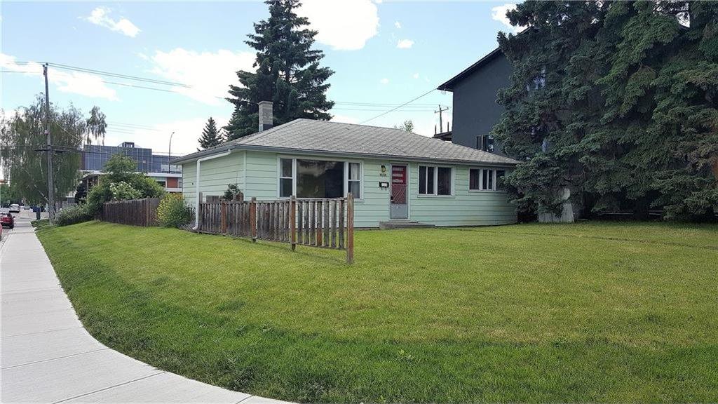 Photo 2: Photos: 2403 32 Avenue SW in Calgary: Richmond House for sale : MLS®# C4123862