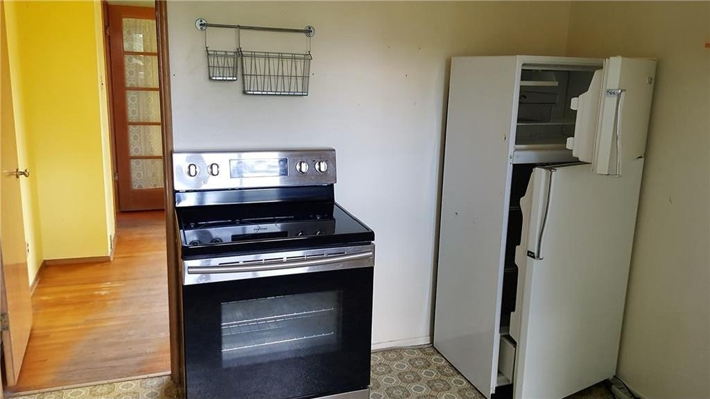 Photo 8: Photos: 2403 32 Avenue SW in Calgary: Richmond House for sale : MLS®# C4123862